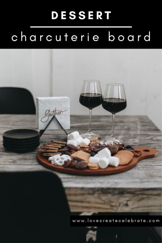 cute thanksgiving and holiday charcuterie board ideas