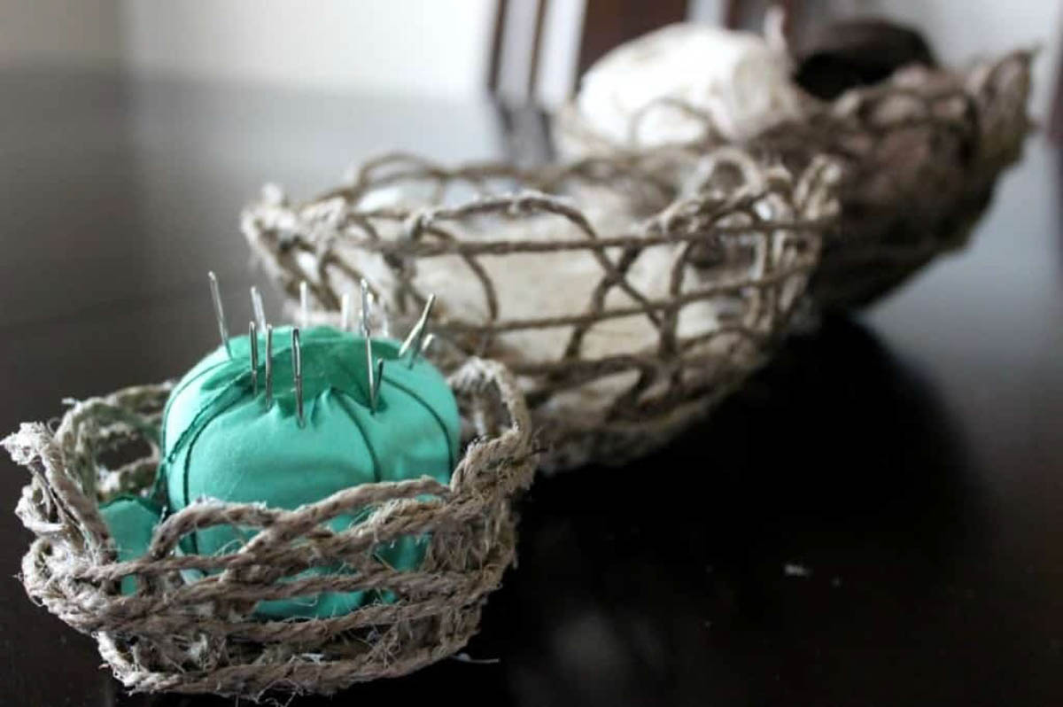 DIY containers made of string and mod podge