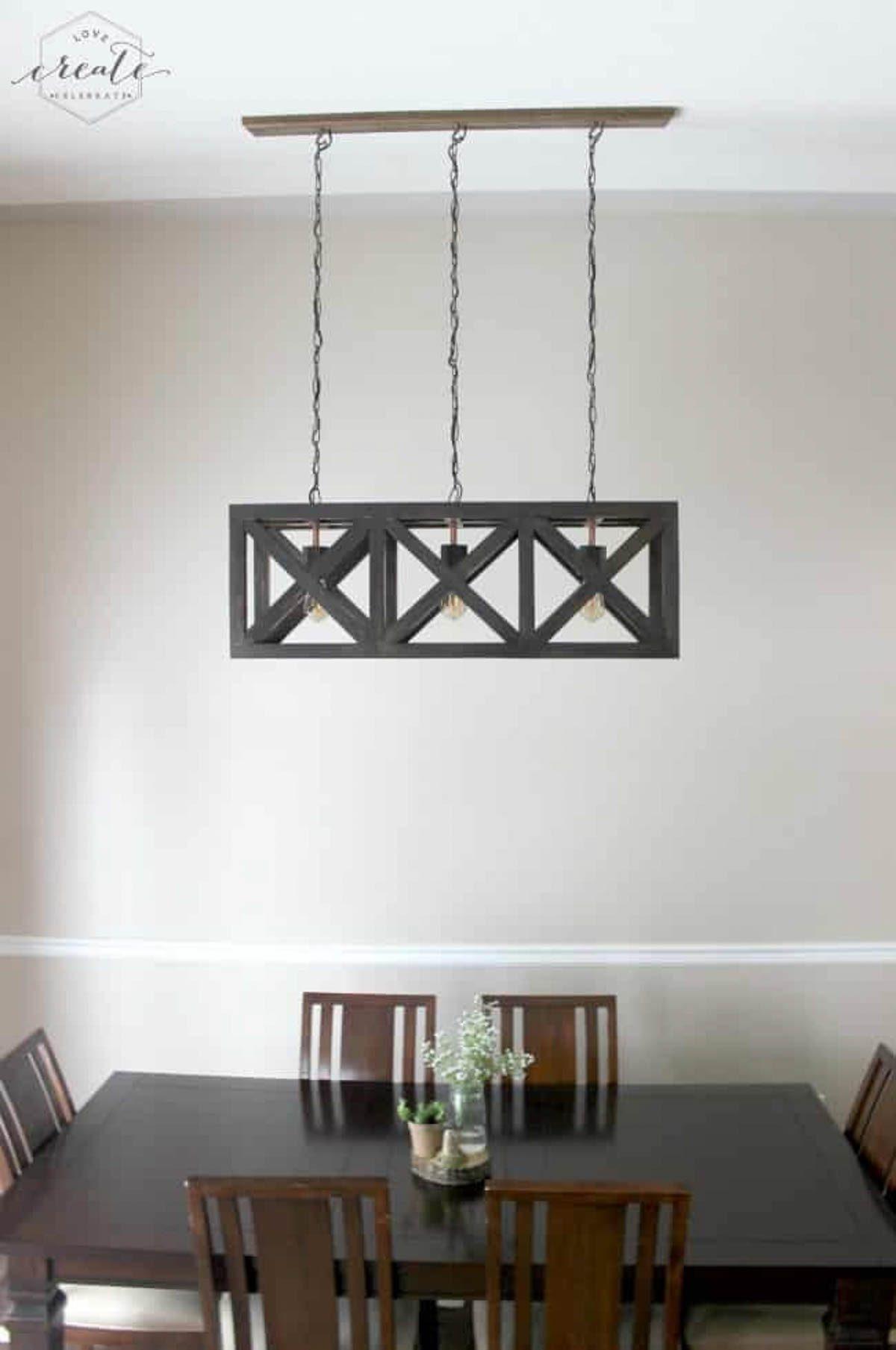 Industrial pendant light in dining room