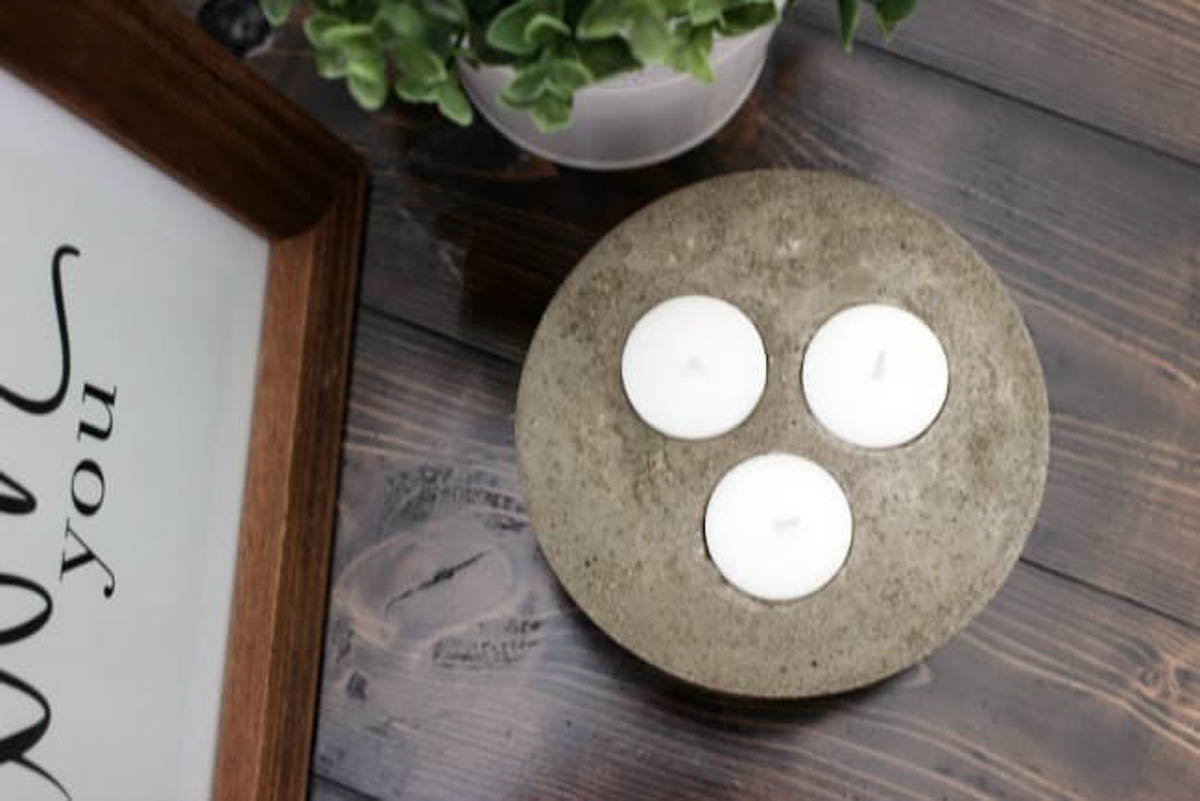 Overhead picture of concrete candle holder