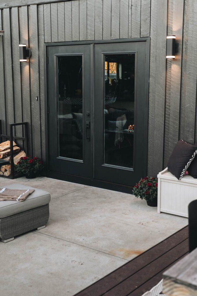 simple fall patio decor