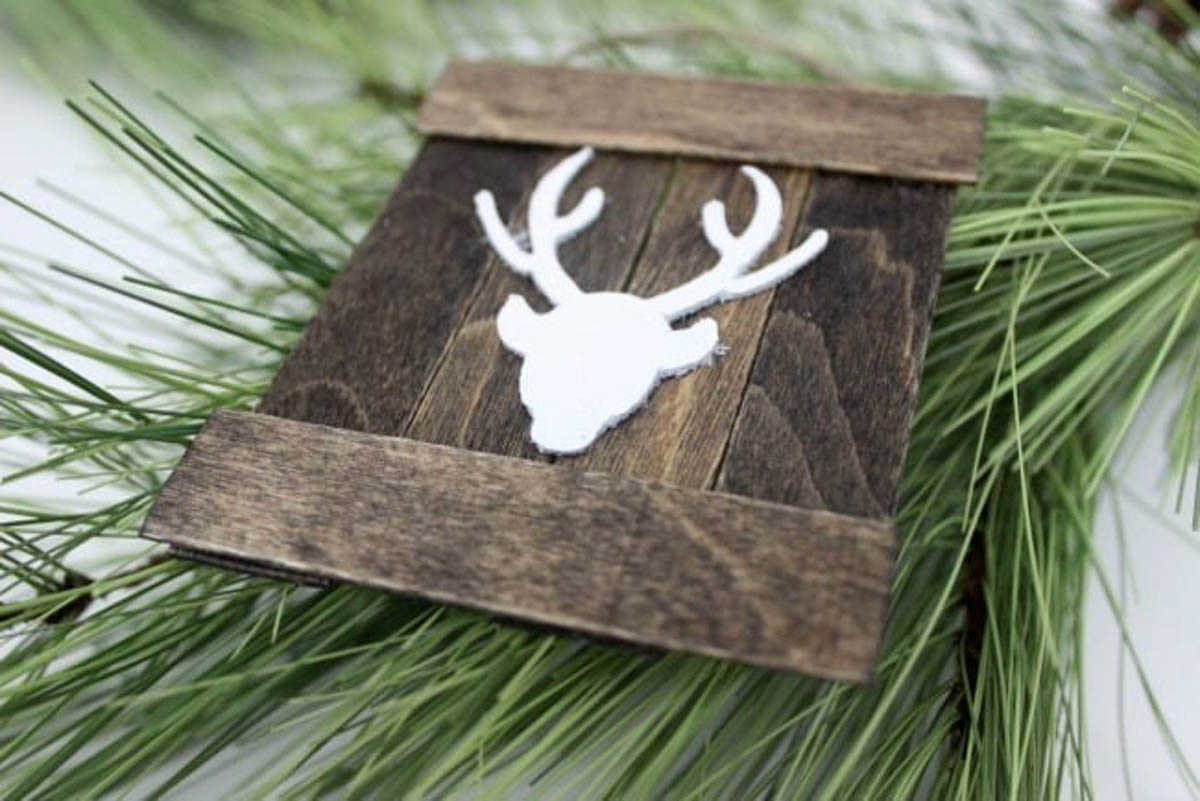Finished reindeer ornament on pine needles